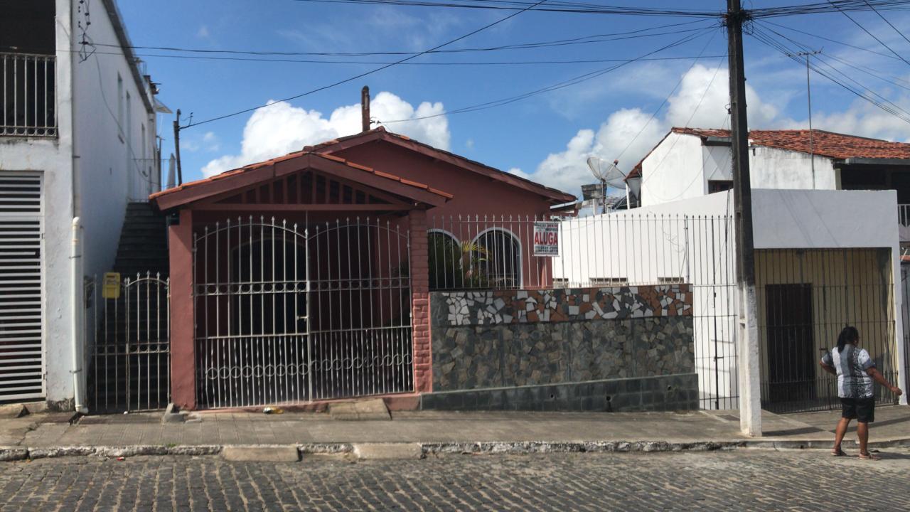 AL 063- Casa com 3/4